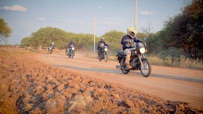 Motociclistas recorrerán el Paraguay con la Boxer 150