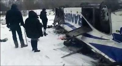 Al menos 18 muertos al caer un autobús en un río en el este de Rusia