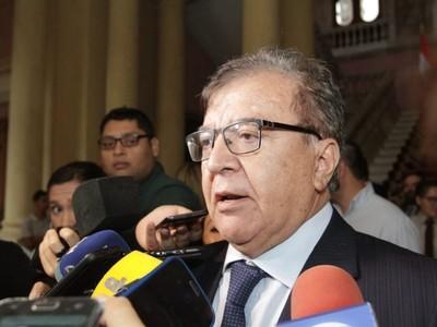 'La democracia exige capacidad de diálogo, no resolución de la diferencia a las patadas ni a los puños'- Nicanor