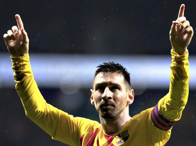 El Barcelona vence al Atlético y se mantiene líder de La Liga