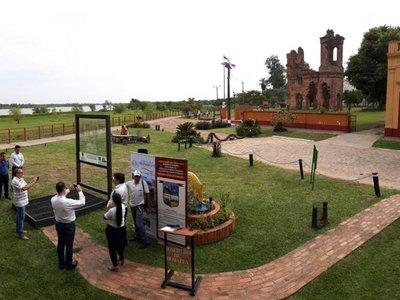 Reproducción hipotética de    iglesia de San Carlos   Borromeo en Humaitá
