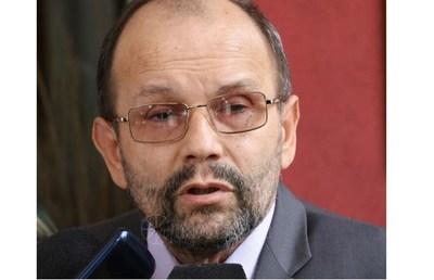 """Latorre: """"En algunos medios destaparon una botella de champagne para festejar orden de prisión contra Cartes"""""""