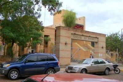 Denuncian adulteración de notas en la Facultad de Derecho UNA