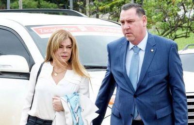 Lejos de Itapema: juez prohíbe que ZI y Sandra McLeod salgan del país