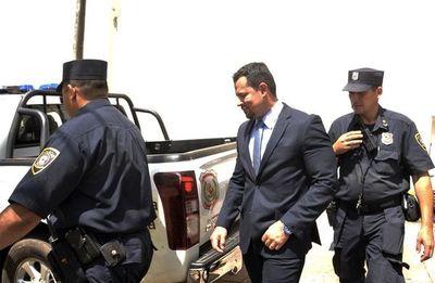 Quintana no puede pedir permiso para ir a la cárcel, reiteran