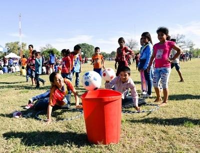 """Campaña """"Regalo de Navidad"""" llega a 2.500 niños de Boquerón"""