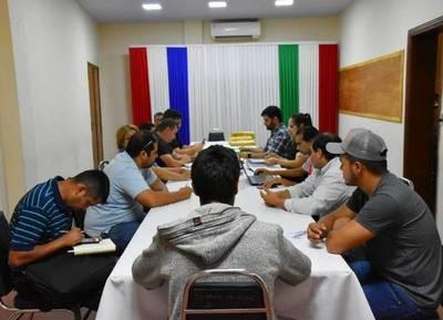 APERTURA DE OFERTAS EN LA GOBERNACIÓN DE ITAPÚA PARA POLIDEPORTIVO DEL DISTRITO DE GENERAL ARTIGAS