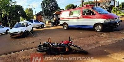 MOTOCICLISTA SE SALVA DE SUFRIR LESIONES GRAVES MEDIANTE EL CASCO PROTECTOR