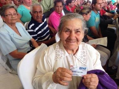 A noviembre, casi 200 mil adultos mayores recibieron pensión alimentaria del Estado