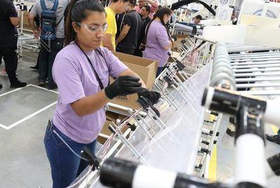 Firma alemana inauguró fábrica de autopartes