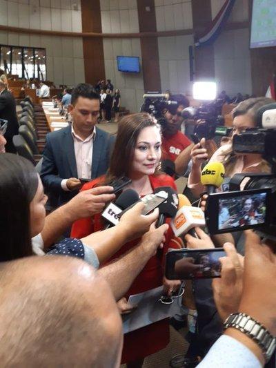 Rocío Abed asume banca de Ulises Quintana