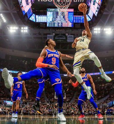 Antetokounmpo y Bucks se apoderan de la mejor marca de la NBA