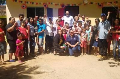 FAMILIAS DE SAN PEDRO DEL PNÁ RECIBIERON LAS LLAVES DE SU VIVIENDA PROPIA