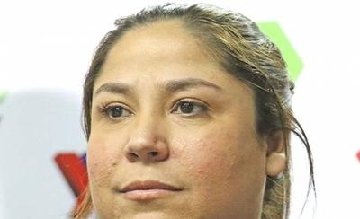 HOY / Samudio justifica millonaria y sospechosa licitación para regalos de Petropar