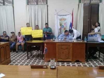 Con votos colorados y liberales, concejales deciden pedir intervención de la Comuna de Concepción
