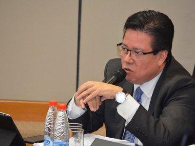 Fiscalía presenta acusación contra ex contralor y solicita juicio oral