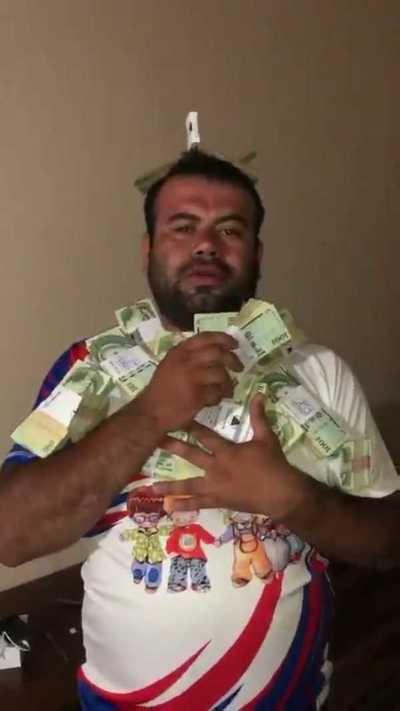 Abren sumario a jefe de oficina de Karapaí por alarde de dinero