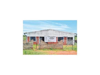 Construcción de Indi sin uso en Caaguazú