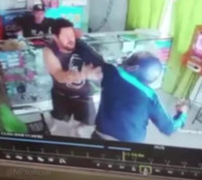 Se enfrentó a ladrones armados para evitar un robo