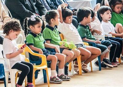 Paraguay redujo la deserción escolar 1,4% con la matriculación de 26.000 nuevos estudiantes en 2019
