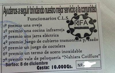 Funcionarios del Centro de Salud de Santiago organizan rifa para subsistir