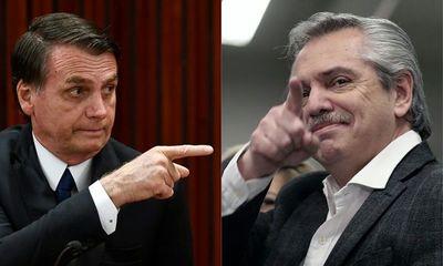 """Bolsonaro dice que Argentina """"pierde mucho más"""" si pelea con Brasil"""