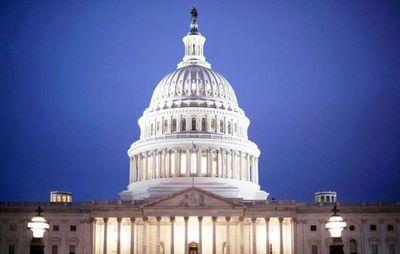 Un Congreso dividido inicia debate para decidir juicio político a Trump
