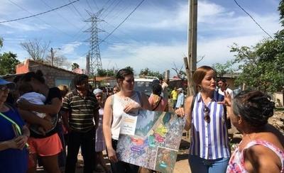 HOY / Soledad Núñez visita a su amiga en el Bañado y le preguntan si será candidata