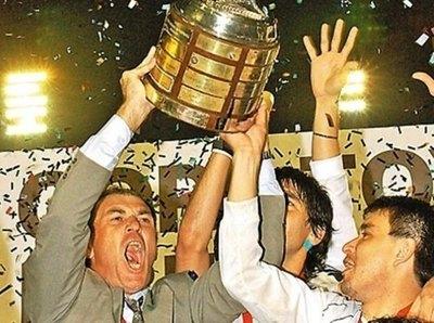 Pumpido habló del Olimpia campeón 2002 y llenó de elogios a Orteman
