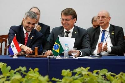 Mario Abdo insta a fortalecer la democracia en el Mercosur
