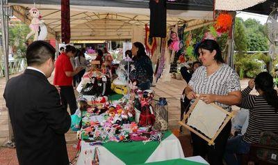 """""""Expo de Repatriados Emprendedores"""" en Plaza de la Democracia"""