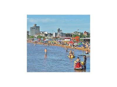 Las aguas de playas están aptas para uso  en la Perla del Sur