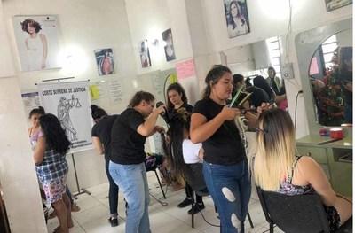 Hubo jornada de corte de cabello a internas del Buen Pastor