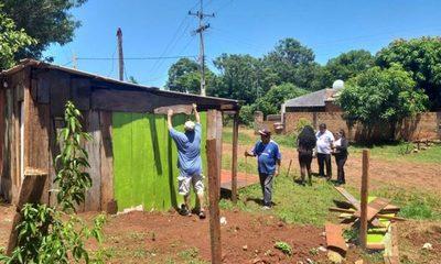 Desalojan a 5 familias de un espacio público en Don Bosco