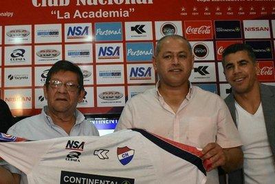 Chiqui desmiente supuesto interés de Cerro Porteño