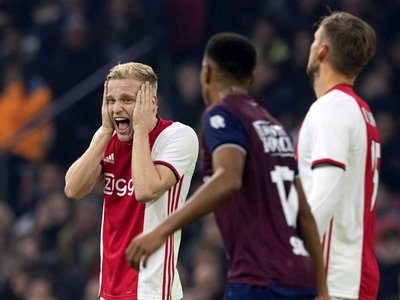 El Ajax sufre su primera derrota antes de recibir al Valencia