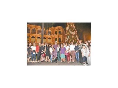 Marito inaugura luces en el Palacio y obras en Costanera
