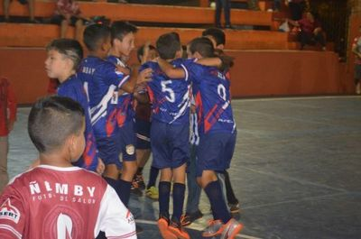 Amambay con Franco definen el Nacional C9 de fútbol de salón