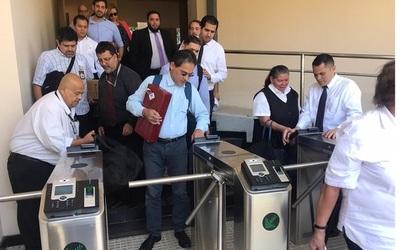 Entra en funcionamiento marcación biométrica para funcionarios del Senado