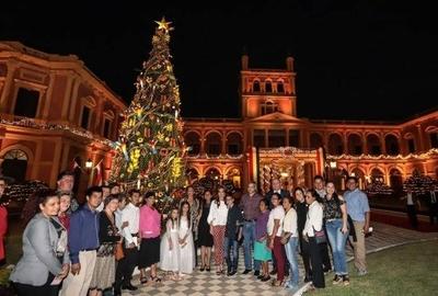 HOY / Navidad en el Palacio con más de 1.000 piezas de artesanía paraguaya