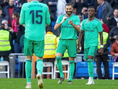 Real Madrid derrota Espanyol y llega a la cima
