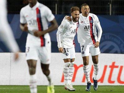 Neymar y Mbappé sacan de un apuro al París Saint Germain