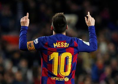 Messi le da la victoria al Barcelona con un triplete