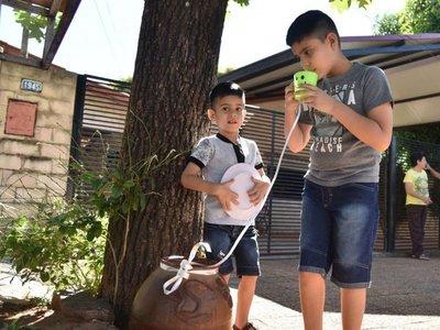 Cántaro de agua para los peregrinos como muestra de solidaridad