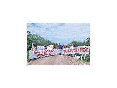 Por aislamiento, chaqueños protestan con cierre de ruta