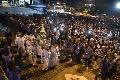 Inicia celebración de la Virgen de Caacupé, con presencia de Abdo Benítez