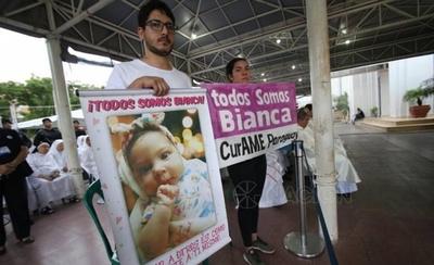 """HOY / """"El Gobierno ya no nos daría tratamiento"""": el emotivo mensaje por Bianca en Caacupé"""