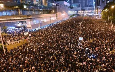 Masiva marcha en Hong Kong marca los 6 meses de protestas