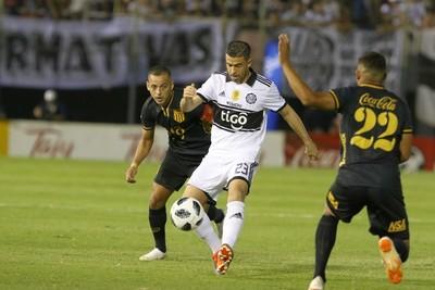 Olimpia y Guaraní juegan este domingo el clásico más añejo