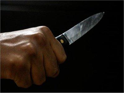 Hombre muere tras recibir más de 50 puñaladas en Isla Pucú